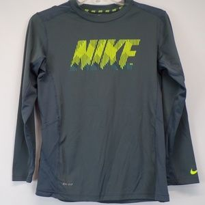 Nike Dri-Fit Semi-Fitted Active Shirt Size Large